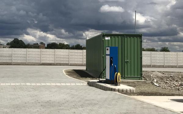 Telephelyi tankolás saját üzemanyag kútoszlop használatával